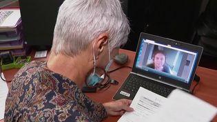 Coronavirus : vague de recrutement dans les hôpitaux (France 2)