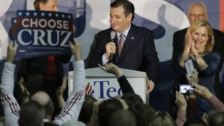 Ted Cruz, candidat aux primaires républicaines, à Des Moines (Etats-Unis), après sa victoire dans l'Iowa, le 1er février 2016. (JIM YOUNG / REUTERS)