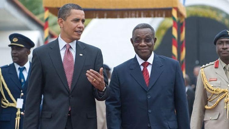 MM.Obama et Atta-Mills à Accra le 11 juillet 2009. (AFP PHOTO / SAUL LOEB)