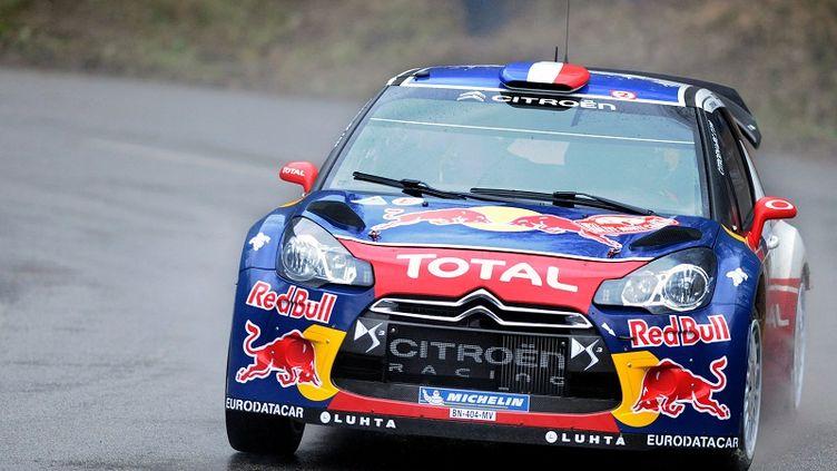 La Citroën DS 3 de Sébastien Loeb lors du Rallye Monte-Carlo le 20 janvier 2012 à Bouvante (Drôme). (PHILIPPE MERLE / AFP)