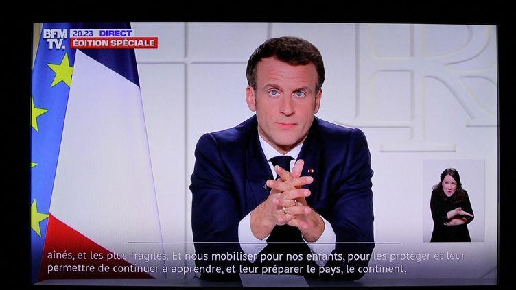 Image de l'allocution d'Emmanuel Macron, le 31 mars 2021. (BASTIEN MARIE / HANS LUCAS / AFP)