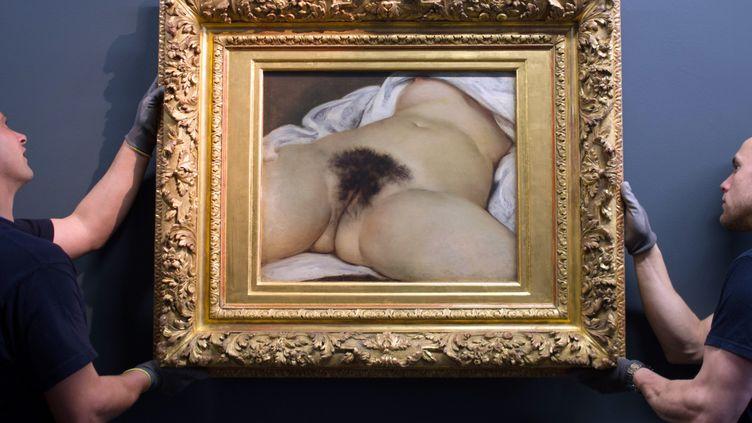"""Le tableau """"L'Origine du monde"""", peint par Gustave Courbet, pris en photo au musée d'Ornans (Doubs), le 3 juin 2014. (SEBASTIEN BOZON / AFP)"""