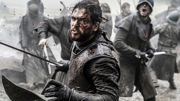 Kit Harington alias Jon Snow dans le dernier épisode de la saison 6 de Game of Thrones, diffusé le 26 juin 2016 sur HBO. (HELEN SLOAN / AP / SIPA)