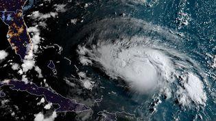 Image satellite de l'ouragan Dorian, au large des Bahamas et de la Floride, le 30 août 2019. (HO / NOAA / RAMMB)