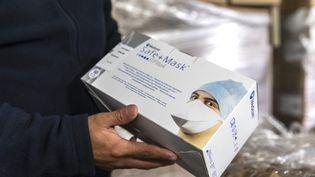 Les deux suspects ont expliqué avoir, en plus, commandé en Allemagne 100 000 masques pour une valeur de 57 000 euros ainsi que 1 000 tests pour 13 900 euros. (VINCENT ISORE / MAXPPP)