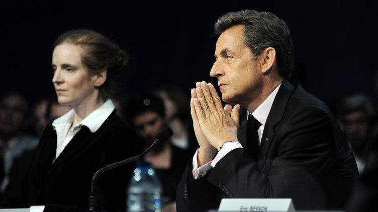 Nicolas Sarkozy, à droite, et sa porte-parole,Nathalie Kosciusko-Morizet, àGravelines (Nord), le 3 mai 2011. (DENIS CHARLET / AFP)