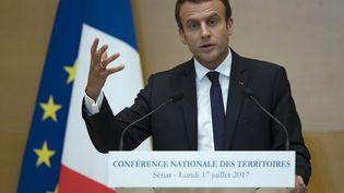 Emmanuel Macron lors d'un discours au Sénat, le 17 juillet 2017. (IAN LANGSDON / AFP)