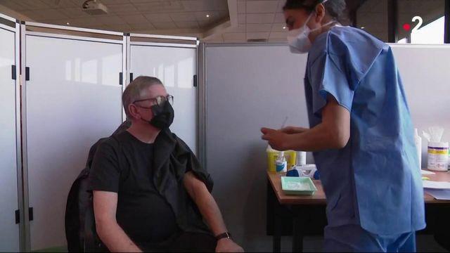 Covid-19 : les premiers vaccins supplémentaires sont arrivés en Moselle