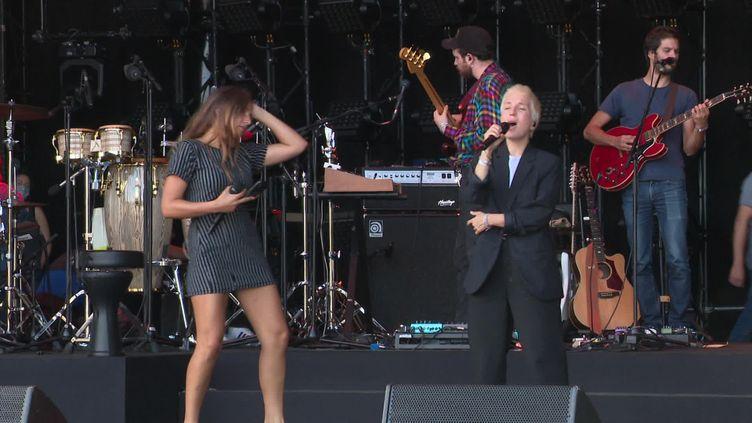 Jeanne Added et Izia en répétitions pour le Festival des festivals (France Télévisions)
