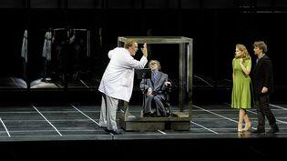 La Damnation de Faust : Jonas Kaufmann (Faust), Sophie Koch (Marguerite), Bryn Terfel (Méphistophélès) et Dominique Mercy  (Felipe Sanguinetti / OnP)