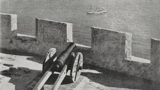 Un canon sur la forteresse d'Agadir. (DEA / BIBLIOTECA AMBROSIANA / GETTY IMAGES)