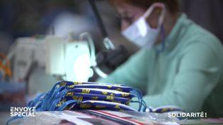 Coronavirus : des masques fabriqués par des bénévoles avec les tissus... du Slip français (ENVOYÉ SPÉCIAL  / FRANCE 2)