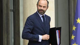Edouard Philippe quitte l'Elysée après une réunion, le 9 août 2017, à Paris. (BERTRAND GUAY / AFP)