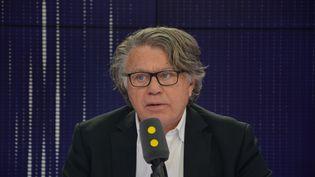 Gilbert Collard, député FN du Gard, était l'invité de franceinfo. (RADIO FRANCE / JEAN-CHRISTOPHE BOURDILLAT)