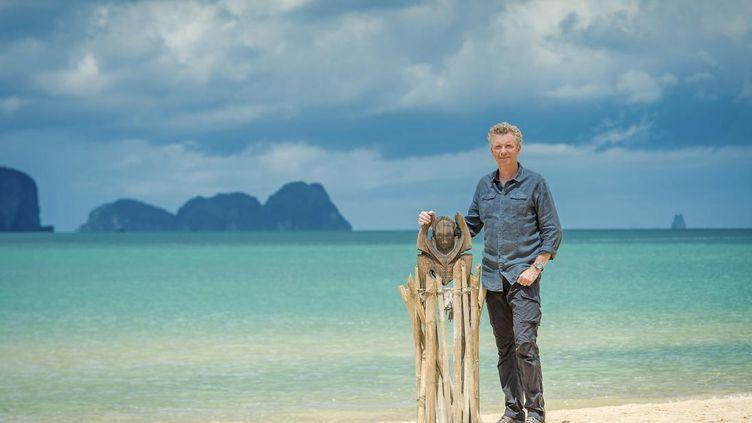 """L'animateur Denis Brogniart sur un lieu de tournage de l'émission """"Koh Lanta"""", diffusée sur TF1 depuis 2001. (BUREAU 233/ ALP / TF1)"""