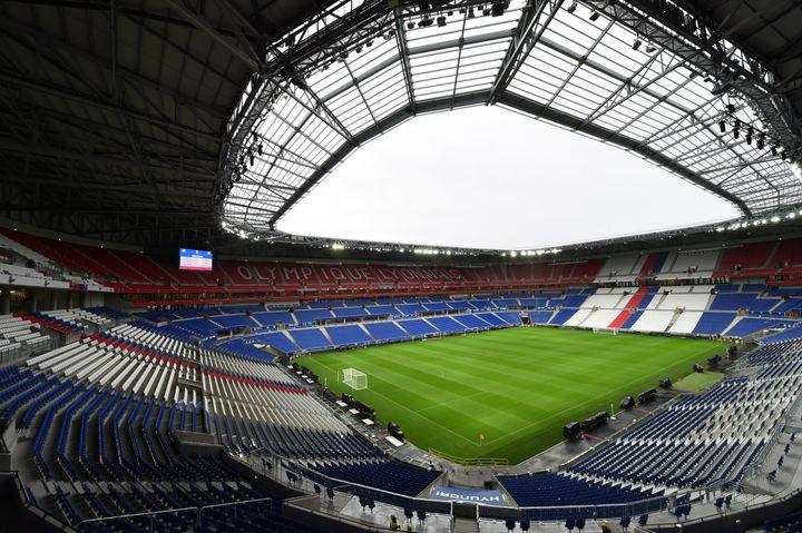 Le Groupama Stadiumde Lyon, à Décines (photo prise le 7 janvier 2016). (PHILIPPE DESMAZES / AFP)