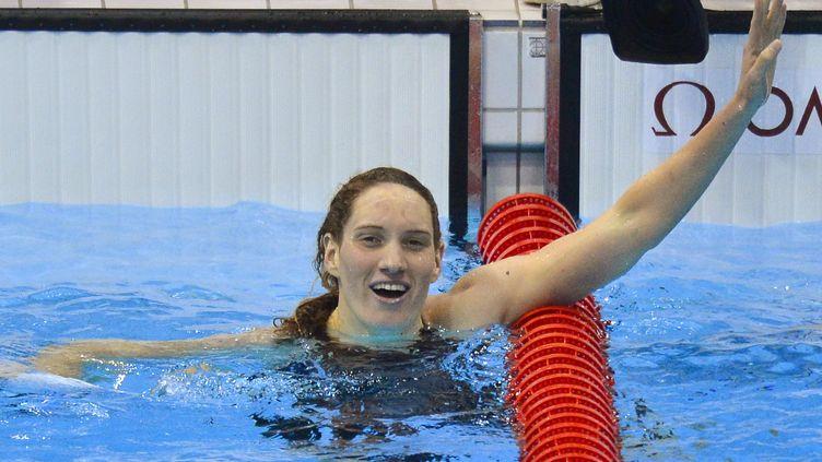 Camille Muffat, après sa victoire au400 m nage libre, aux Jeux olympiques de Londres (Royaume-Uni), le 29 juillet 2012. (TOBY MELVILLE / REUTERS)