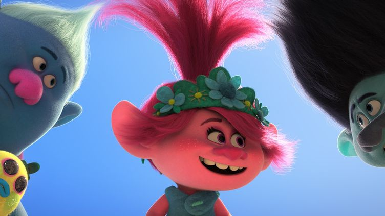 "De gauche à droite les personnages Biggie, Poppy et Branch dans le film d'animation ""Les Trolls 2 : Tournée mondiale"" signé Dreamworks et produit par Universal. (2020 DREAMWORKS ANIMATION LLC. ALL RIGHTS RESERVED)"