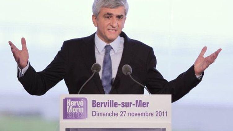 Hervé Morin lors de l'annonce officielle de sa candidature à Berville-sur-Mer (KENZO TRIBOUILLARD / AFP)