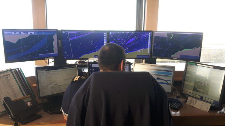 Le PC operation du CROSS Gris Nez. (JEROME JADOT/RADIOFRANCE)