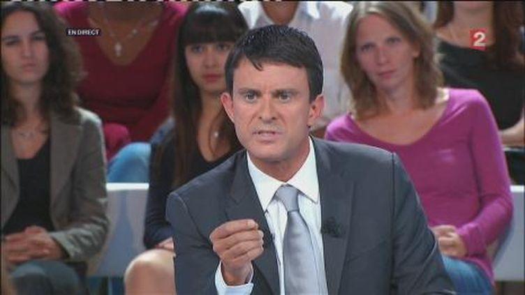"""Manuel Valls sur le plateau de """"Des paroles et des actes, le débat des primaires"""". (FranceTV)"""