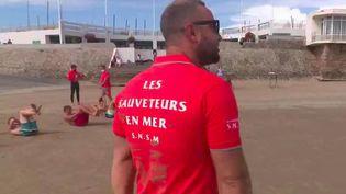 Vendée : le recrutement des futurs nageurs-sauveteurs est lancé (FRANCE 2)