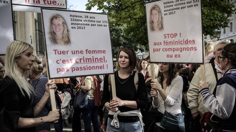Une manifestation pour dénoncer les féminicides en France, le 6 octobre 2018 à Paris. (PHILIPPE LOPEZ / AFP)