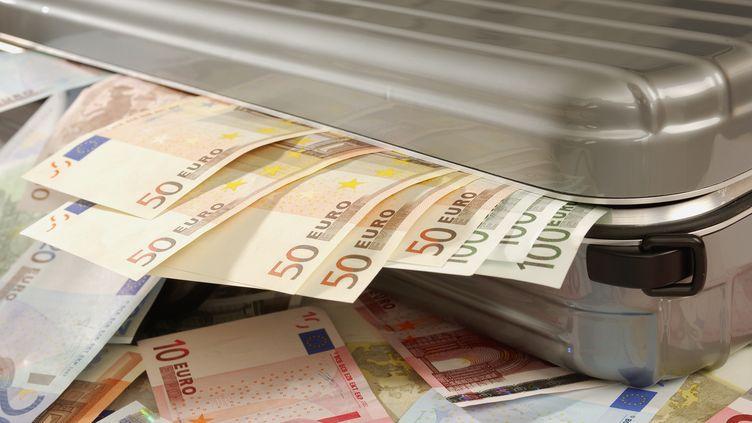 De nombreuses grandes entreprises utilisent les places financières offshore pour faire des affaires et payer moins d'impôts. (MARTIN RUEGNER / GETTY)
