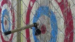 Paris : le lancer de hache fait des adeptes (FRANCE 3)