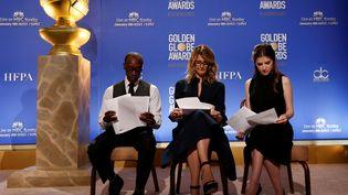 Les acteurs Don Cheadle, Anna Kendrick et Laura Dern ont annoncé la liste des acteurs, réalisateurs et films nommés aux Golden Globes, lundi 12 décembre, àLos Angeles (Etats-Unis). (MARIO ANZUONI / REUTERS)