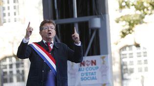 Jean-Luc Mélenchon s'adresse à ses partisans lors d'un discours à Paris, le 23 septembre 2017. (GEOFFROY VAN DER HASSELT / AFP)
