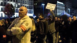 Manifestation de policiers le 26 octobre 2016 à Lyon (ROMAIN LAFABREGUE / AFP)