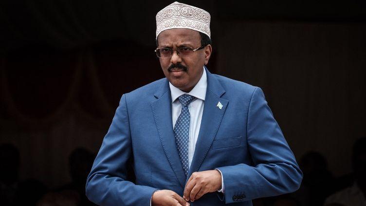 Le présidentMohamed Abdullahi Mohamed, surnommé Farmajo, a obtenu le prolongement de son mandat présidentiel pour deux ans. Un acte anticonstitutionnel pour l'opposition somalienne. (YASUYOSHI CHIBA / AFP)