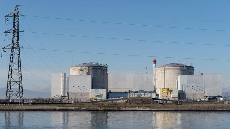 La centrale nucléaire de Fessenheim (Haute-Rhin), le 8 décembre 2015. (PATRICK SEEGER / DPA / AFP)