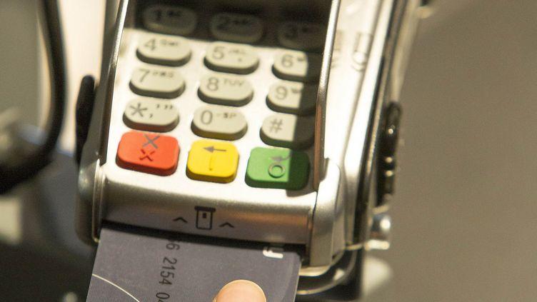 Un prototype de carte bancaire biométrique testé en Afrique du Sud. (MASTERCARD)