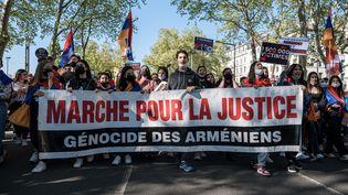 Une manifestationen commémoration au 106e anniversaire du génocide avait réuni 700 arméniens à Lyon, le 24 avril dernier. (KONRAD K./SIPA)