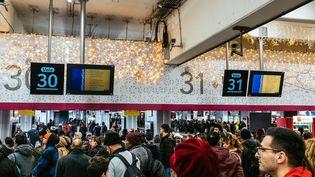La grève continue à la RATP et à la SNCF jeudi 26 décembre. (MATHIEU MENARD / AFP)