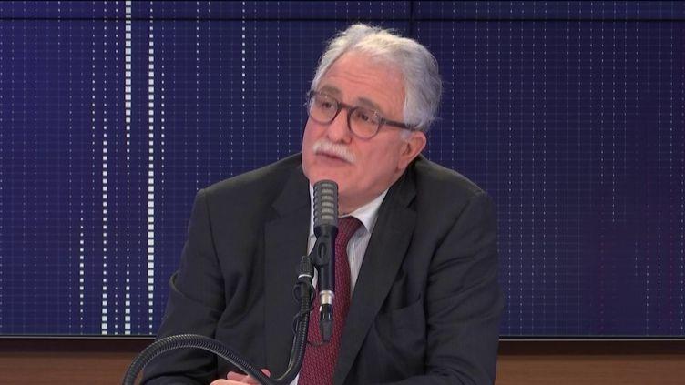 """Chems-Eddine Hafiz, le recteur de la Grande Mosquée de Paris était l'invité du """"8h30 franceinfo"""", le 31 octobre 2020. (FRANCEINFO / RADIOFRANCE)"""