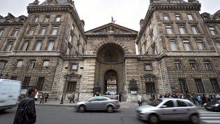 Une entrée de la préfecture de police de Paris le 5 octobre 2010. (ERIC FEFERBERG / AFP)