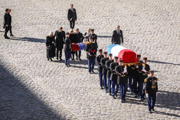 La cérémonie d'hommage national à Charles Aznavour dans la cour d'honneur des Invalides, présidée par le président Emmanuel Macron, le 5 octobre 2018. (THOMAS PADILLA / MAXPPP)