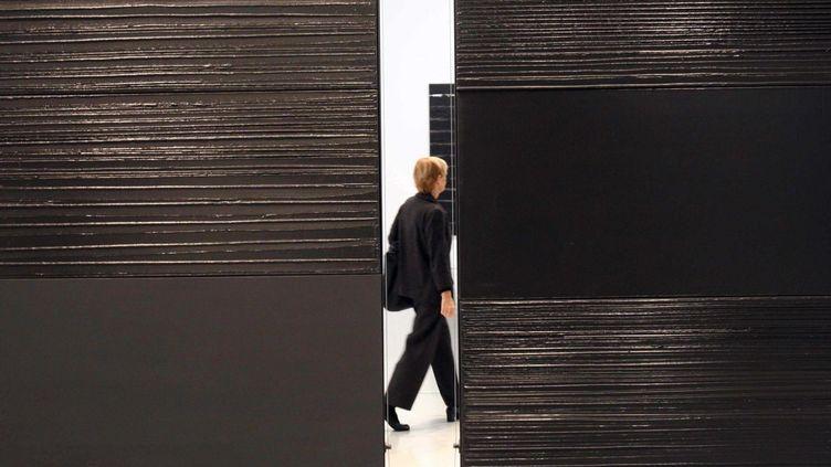 Exposition de Pierre Soulages au Centre Pompidou à Paris, en 2009.  (GINIES/SIPA)