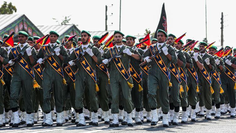 Des Gardiens de la révolution défilent lors d'une parade militaire à Téhéran, en Iran, le 22 septembre 2019. (IRANIAN PRESIDENCY / AFP)
