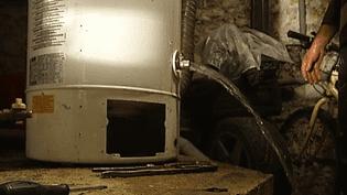 Nouveau régime des plombiers : un arrêté pour éviter les arnaques du dépannage (FRANCE 2)
