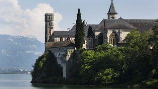 L'abbaye royale d'Hautecombe est située sur la rive ouest dulac du Bourget (Savoie). (VINCENT ISORE / MAXPPP)