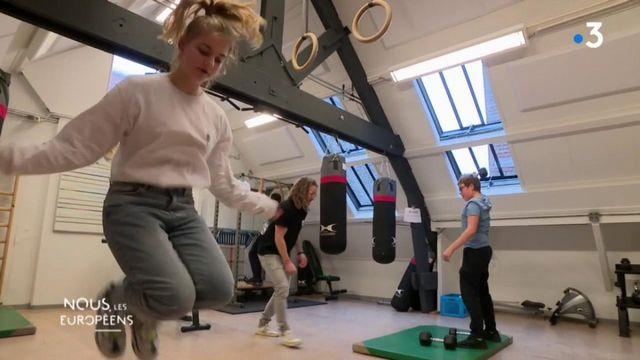 VIDEO. Pays-Bas : l'éducation à la néerlandaise formerait les jeunes les plus heureux au monde