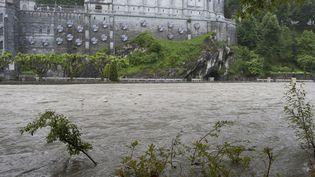 L'accueil des pélerinages est compromis cet été à Lourdes (Hautes-Pyrénées) après la crue du Gave de Pau, la rivière qui traverse la ville. (SANCTUAIRES NOTRE DAME DE LOURDES)