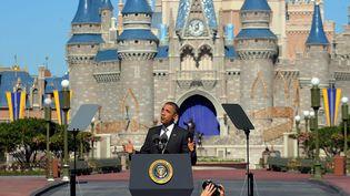 Le président américain Barack Obama s'exprime sur sa stratégie de développement du tourisme au Walt Disney Resort de Lake Buena Vista (Floride), le 19 janvier 2012. (BRIAN BLANCO / EPA / MAXPPP)