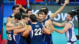 L'Italie célèbre son titre de championne d'Europe de volley le 19 septembre à Katowice (LUKASZ LASKOWSKI / XINHUA via MaxPPP)