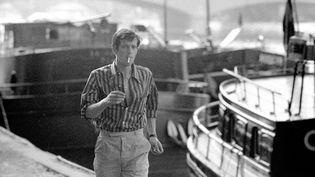 Jean-Paul Belmondo à Paris en juin 1960 (LUC FOURNOL / PHOTO 12 VIA AFP)