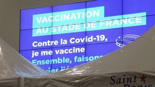Le Stade de France transformé en centre de vaccination contre le Covid-19. (CAPTURE D'ÉCRAN FRANCE 3)